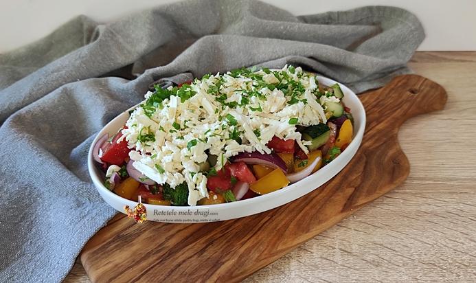 Salata bulgareasca Shopska