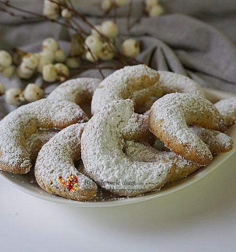 cornulete fragede cu nuca si vanilie 2