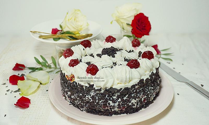 Tort Padurea Neagra, cu blat de cacao, frisca si visine