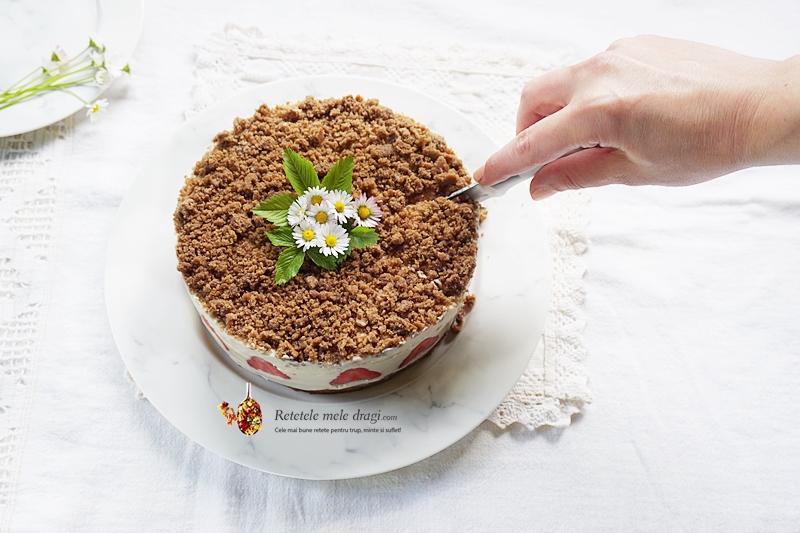 cheesecake cu capsuni si crema de migdale 1