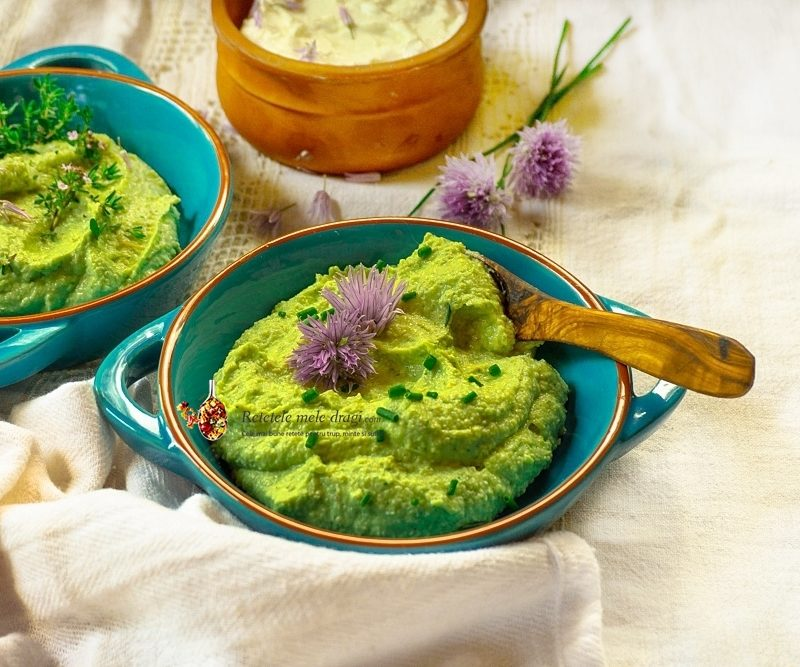 Crema de avocado cu branza (boluri cu crema de avocadi si un bol cu branza de vaci cremoasa)